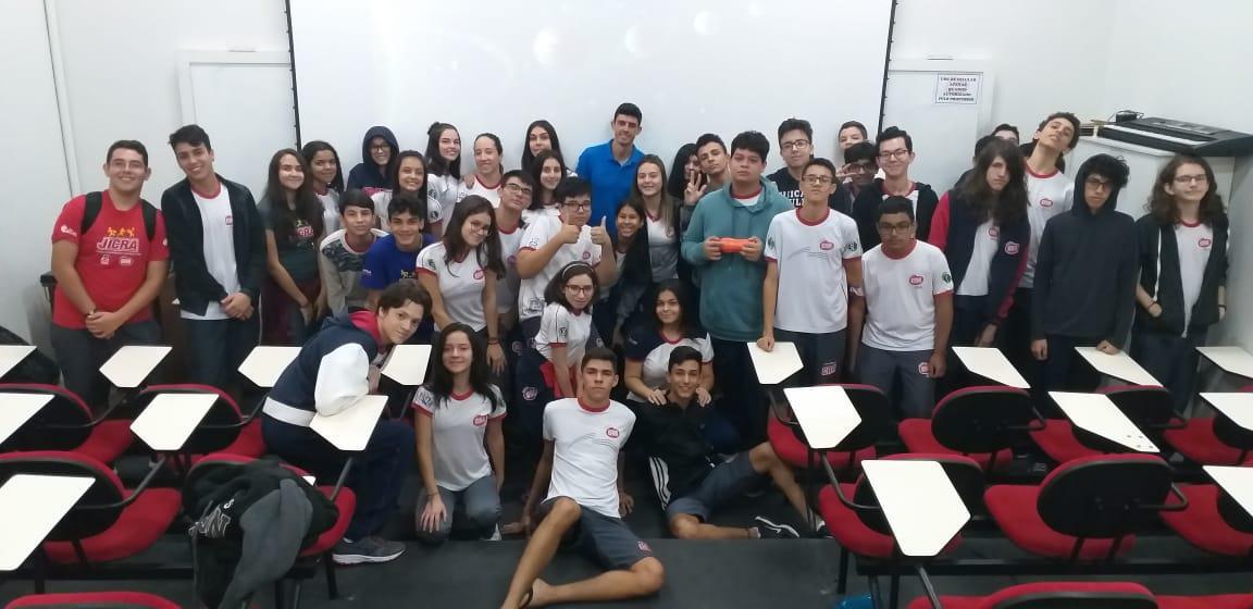 Ensino Médio - Aula de Física